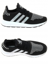 chaussures de sport adidas swift run c noir