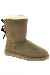chaussures montantes fourrees ugg bailey bow ii beige